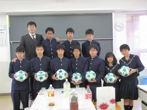 平成23年学校総合大会に「歴史的勝利」おさめました。 翌年、中等部課程修了。