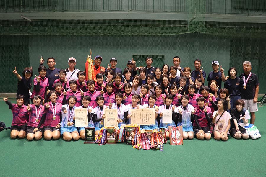 ソフトテニス部(女子)の写真